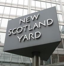 New_Scotland_Yard_sign_3
